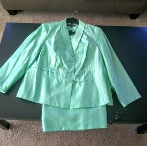 Signature by Larry Levine Green suit